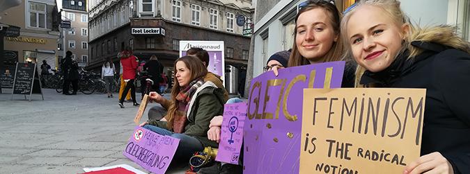 La vaga feminista i una visita especial