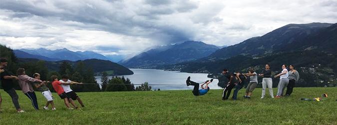Troba les diferències: de campaments a Àustria